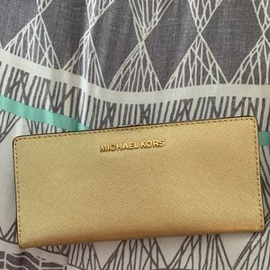 Handbags - Micheal Kors wallet